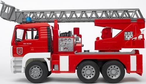 Bruder Пожарная машина MAN с лестницей (13)