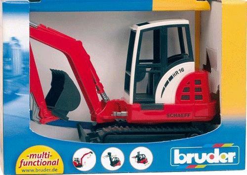 Bruder Трактор гусеничный с ковшом (5)