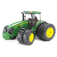Bruder трактор с двойными колёсами John Deere 7930