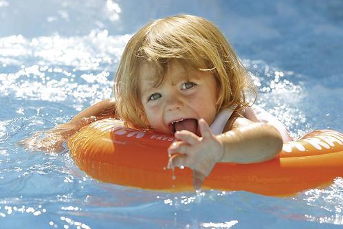 Надувной круг для плавания Swimtrainer оранжевый от 2 до 6 лет (5)