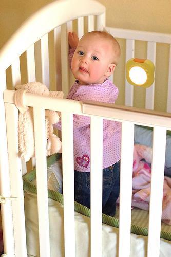 Ночник автоматический для детской кроватки Switel BC320 (7)