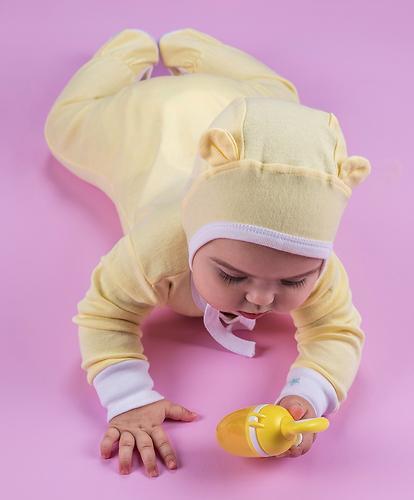Набор чепчиков Happy Baby белый/желтый 2шт (7)