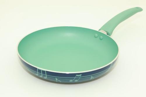 Сковорода для жарки DIVERSO 24x4,5 см с ручкой мятного цвета (алюминий с антипригарным покрытием) Fissman 4828 (1)