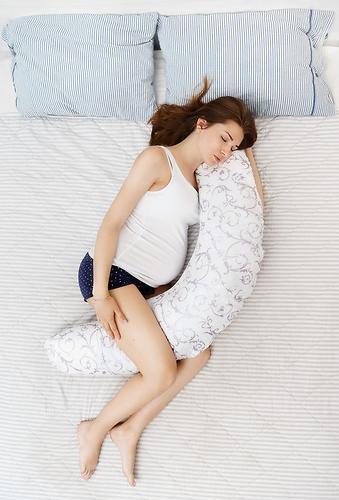 Подушка для беременных Roxy Kids наполнитель полистирол (шарики) бело-черная (17)