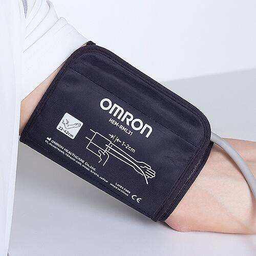 Тонометр Omron M2 Basic (манжета 22-42 см, адаптер) (9)