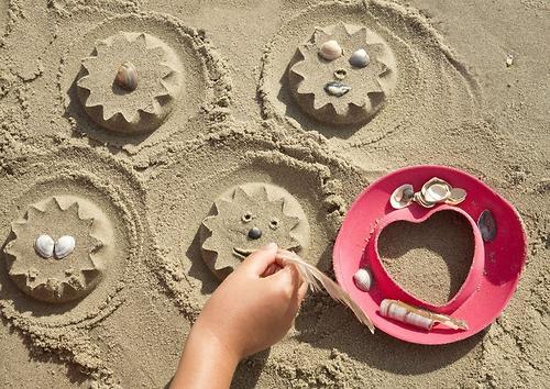 Формочка Quut SunnyLove для песка, снега и ванны (10)