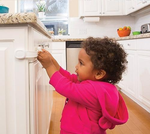 Защита Safety First на дверь от открывания Secret Button Multi Use Lock (8)
