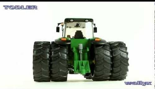 Bruder трактор с двойными колёсами John Deere 7930 (6)